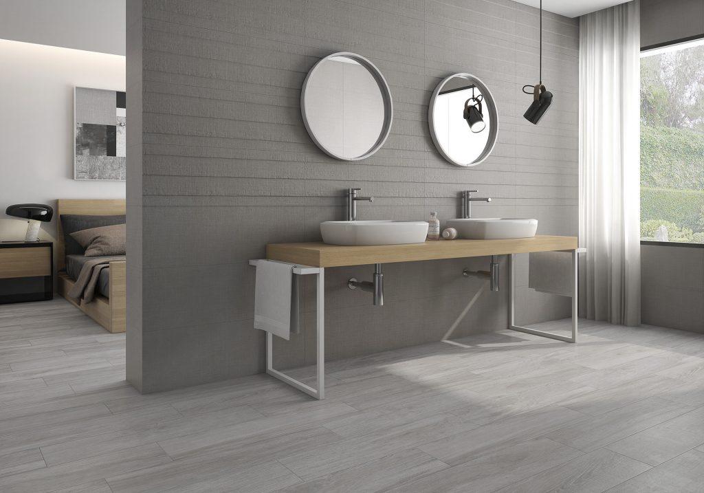Texere de Gala: madera con tono gris en baños