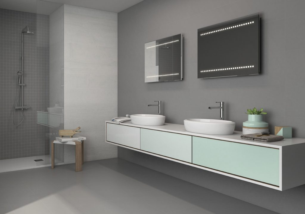 Combinación de cerámicas para agrandar visualmente el cuarto de baño