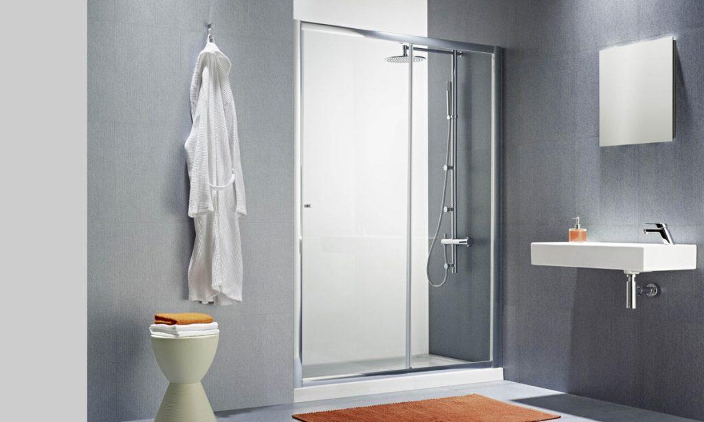 Limpiar mampara de ducha de cristal templado modelo Step de Gala